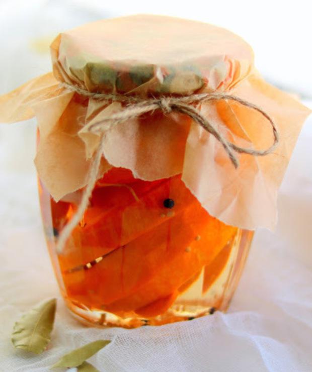 Dynia marynowana z szalotką i listkami laurowymi  - Warzywne