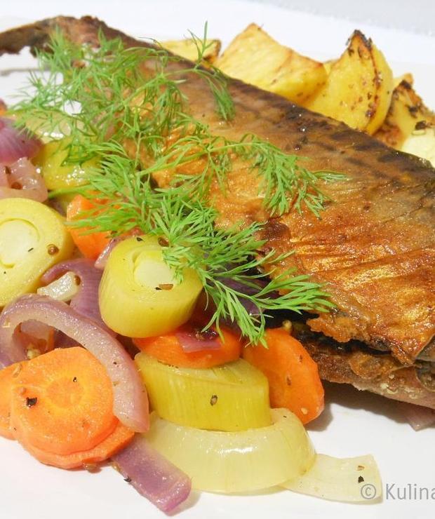 Pieczona makrela z warzywami - Makrela