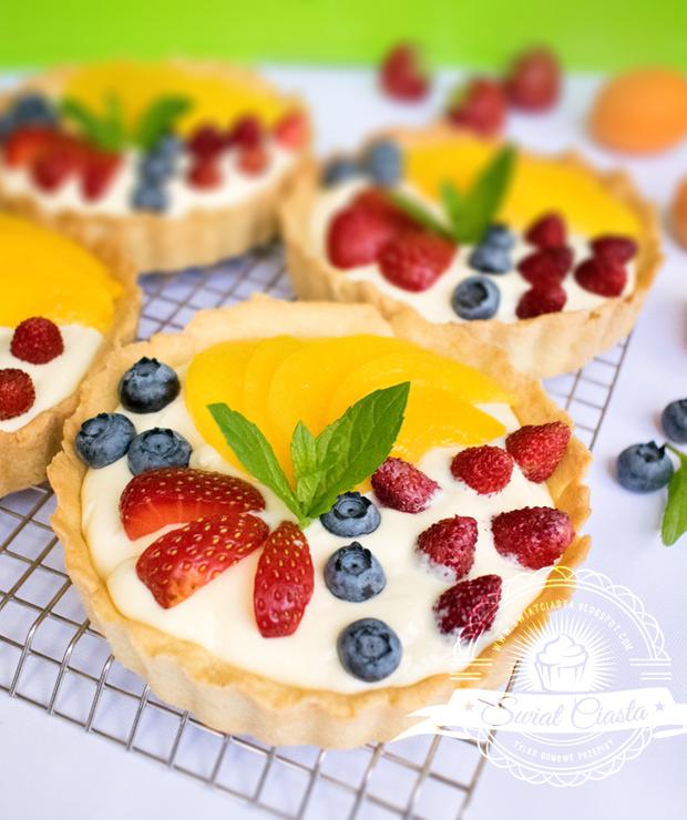 Tartaletki z kremem waniliowym i owocami - Muffiny i babeczki