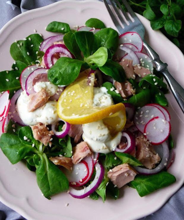 Sałatka z roszponką, tuńczykiem i jogurtem - Jarskie