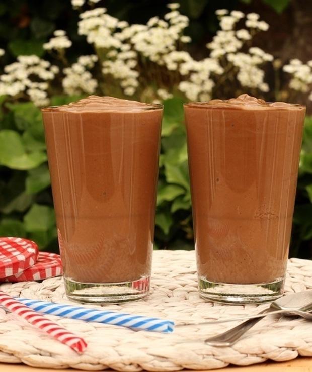 Koktajl czekoladowo-orzechowy na śniadanie - Napoje