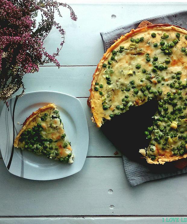 Tarta z zielonym groszkiem i serem pleśniowym - Tarty wytrawne