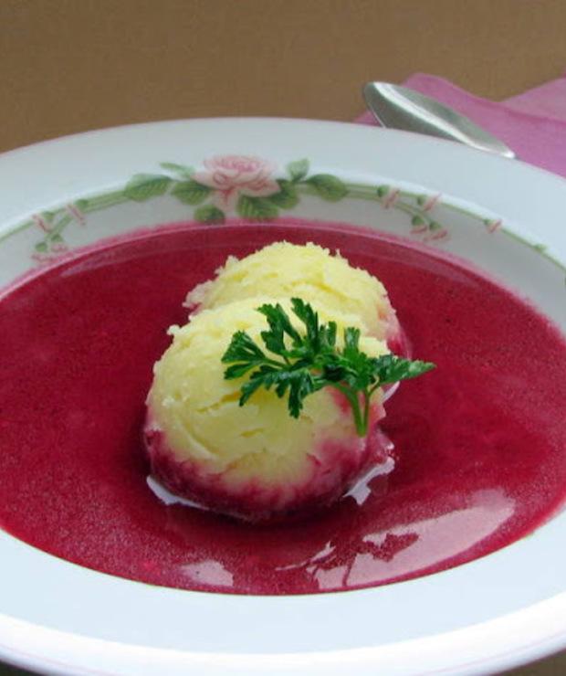 Barszcz czerwony zabielany z ziemniakami  - Z warzywami