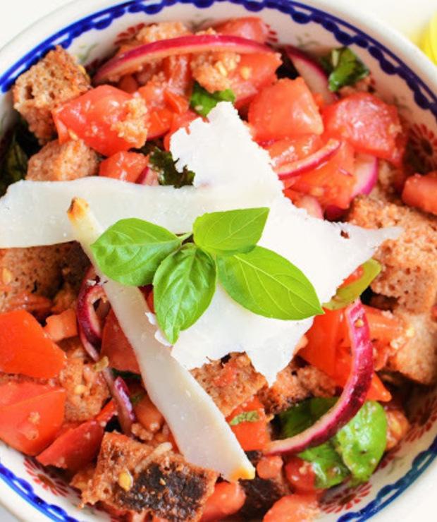 Panzanella czyli toksańska sałatka z chleba i pomidorów - Jarskie