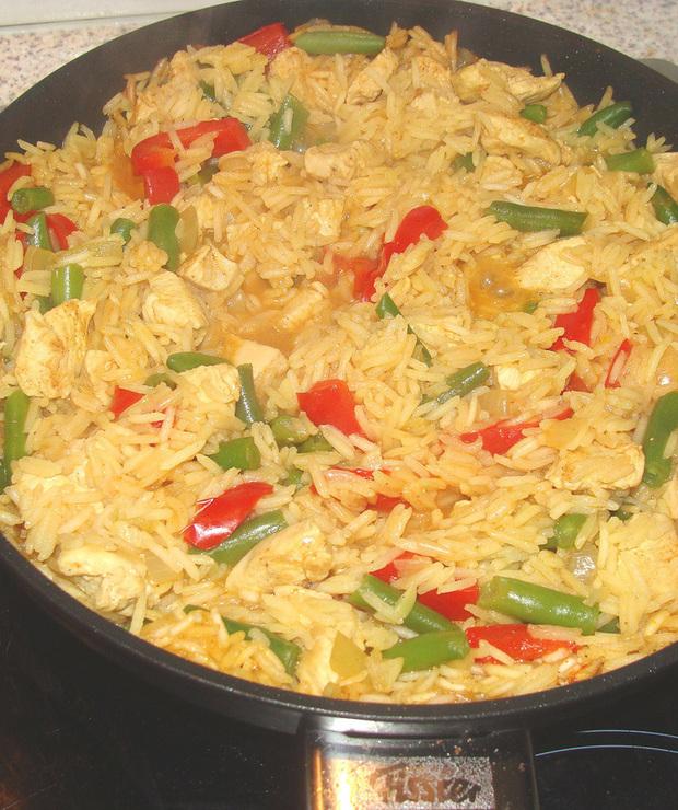 Paella z kurczakiem i warzywami - Drób