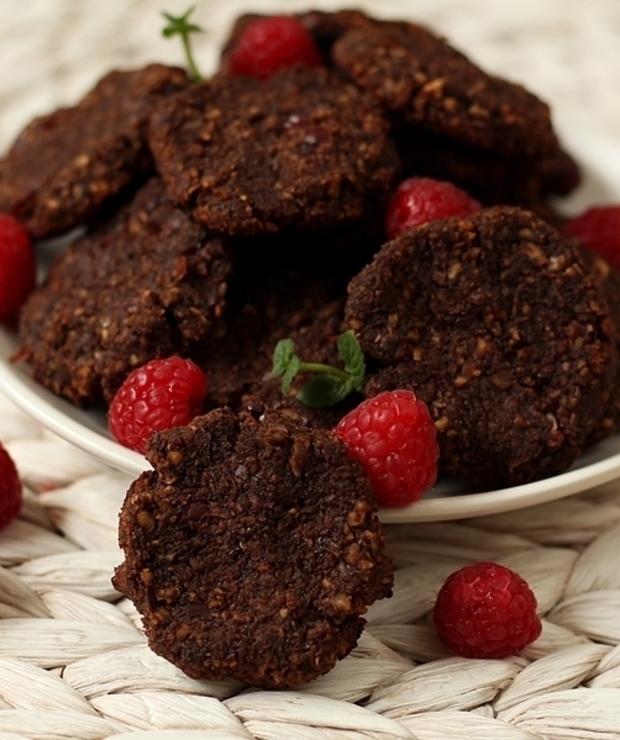 Ciastka czekoladowe z pulpy migdałowej - Desery i ciasta