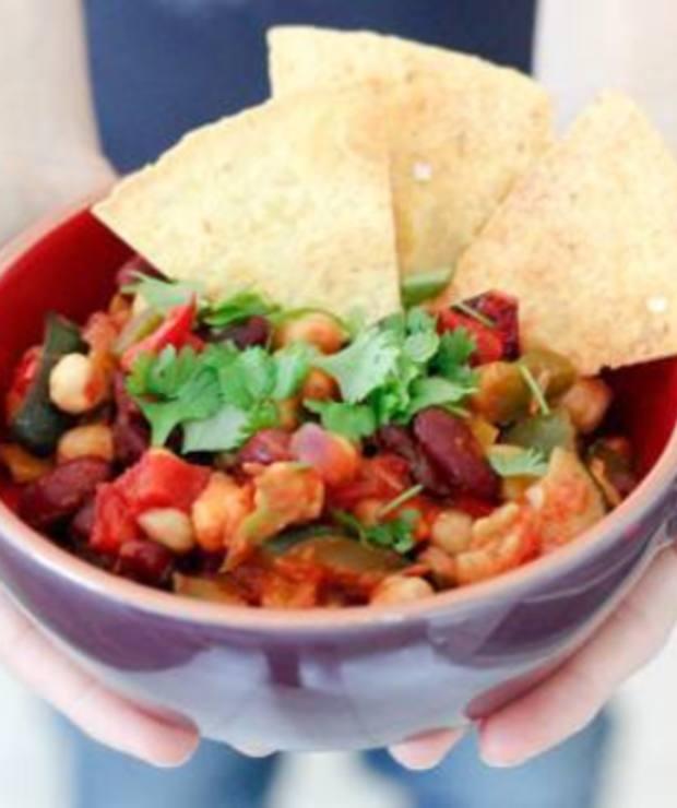 Proste chili sin carne z cukinią i cieciorką - Warzywa