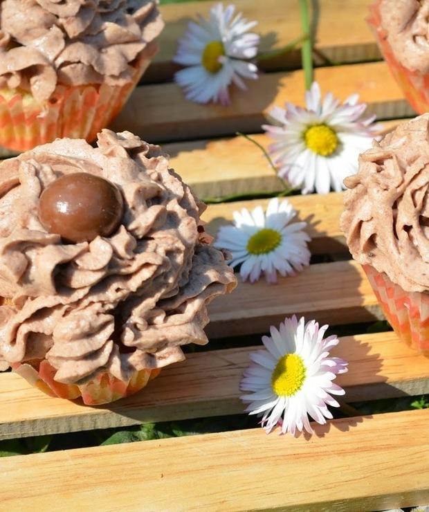 Babeczki z orzechowym kremem - Muffiny i babeczki