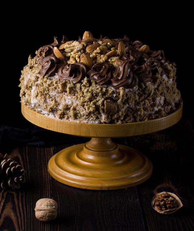 Tort orzechowy bez cukru, nabiału i białej mąki - Torty
