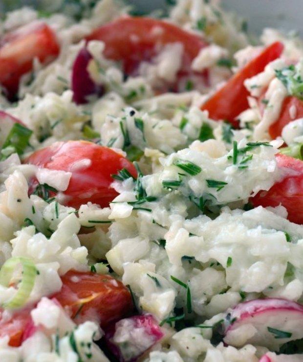 Surówka z młodej kapusty z pomidorem i rzodkiewką - Jarskie