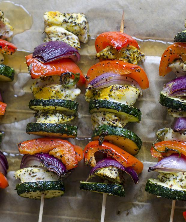 Kolorowe szaszłyki z kurczaka z warzywami - Drób