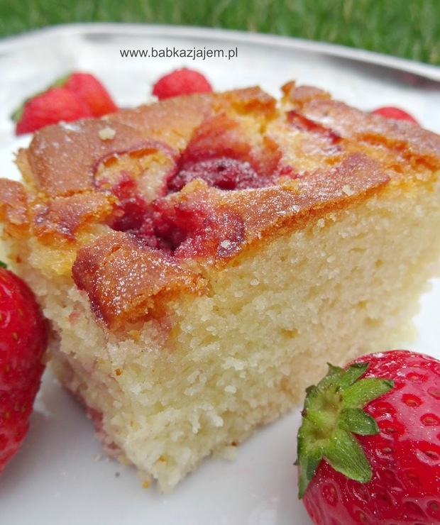 Proste ciasto na maślance z truskawkami - Inne
