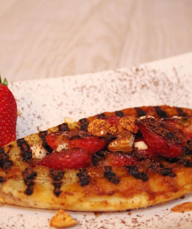 Grillowane banany z truskawkami - Desery i ciasta