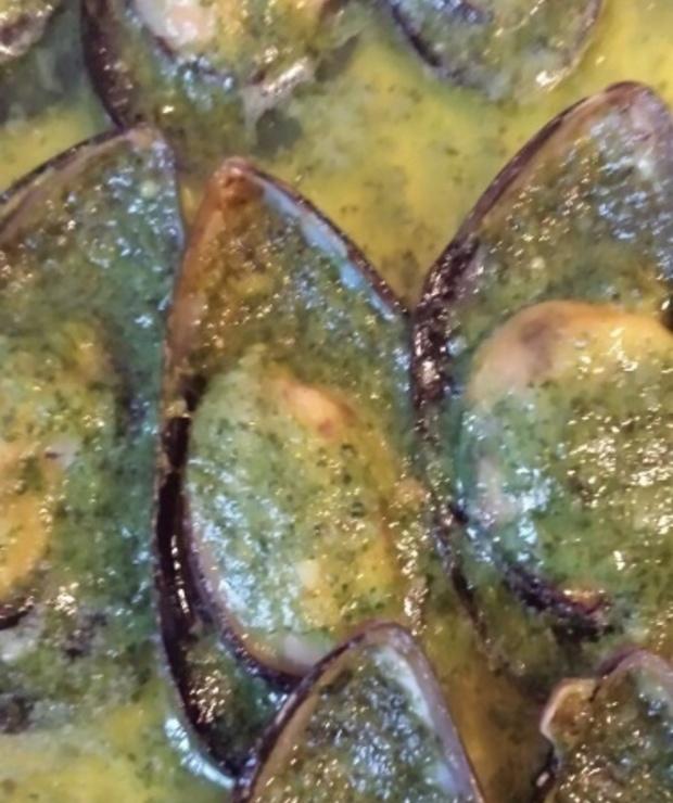 Małże w sosie czosnkowym - pyszne - Małże