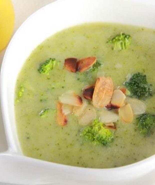 Jak przyrządzić zupę krem z brokułów? - Z warzywami