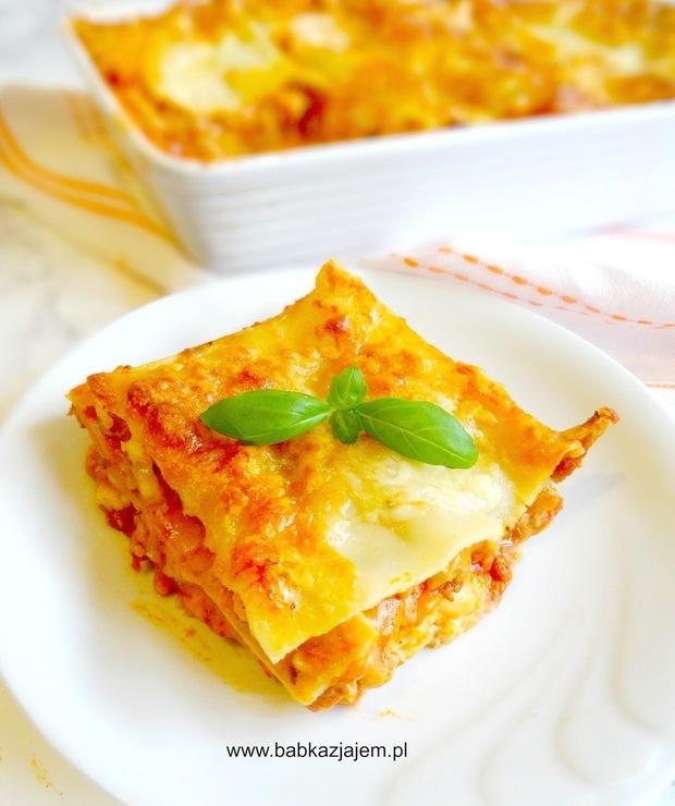 Lasagne z mięsem mielonym i sosem beszamelowym - Dania z makaronu