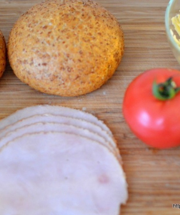 Bułki zapiekane z jajkiem - Kanapki i tosty