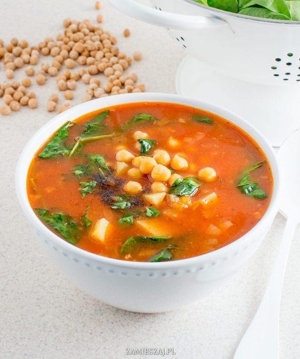 Zupa z ciecierzycy z pomidorami i szpinakiem - Z warzywami