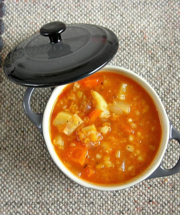 Wegetariańska zupa z soczewicą - łatwa i smaczna - Z warzywami