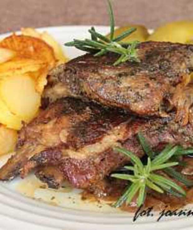 duszone żeberka w aromatycznym sosie - Wieprzowina