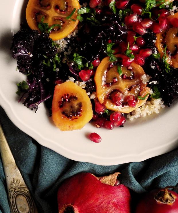 Sałatka z quinoą, fioletowym jarmużem, tamarillo i granatem - Bezglutenowe