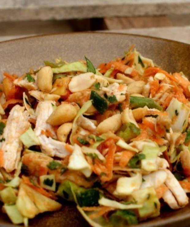 Tajska sałatka z kurczakiem - Mięsne