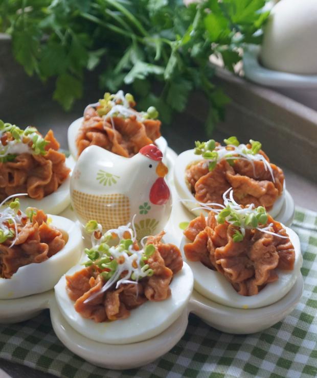 Jajka faszerowane z tuńczykiem - Na zimno