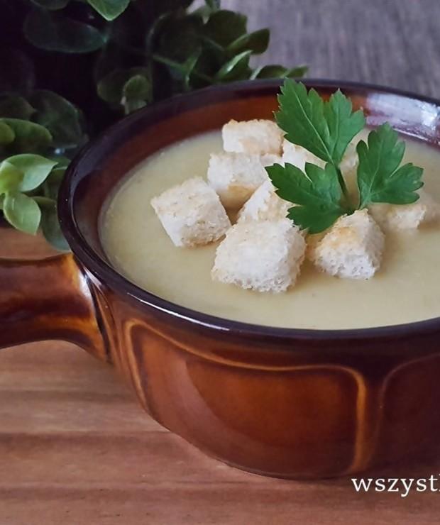 Zupa cebulowa z grzankami - Kremy