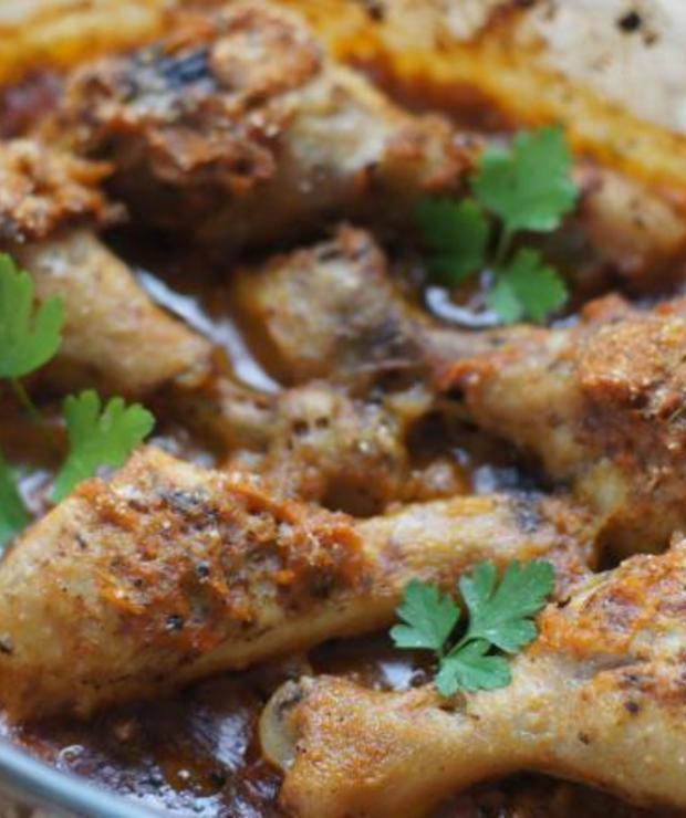 Udka z kurczaka pieczone z kefirem i marchewką - Drób