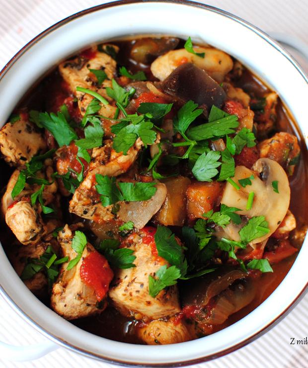 Potrawka z kurczaka z pieczarkami i bakłażanem - Drób