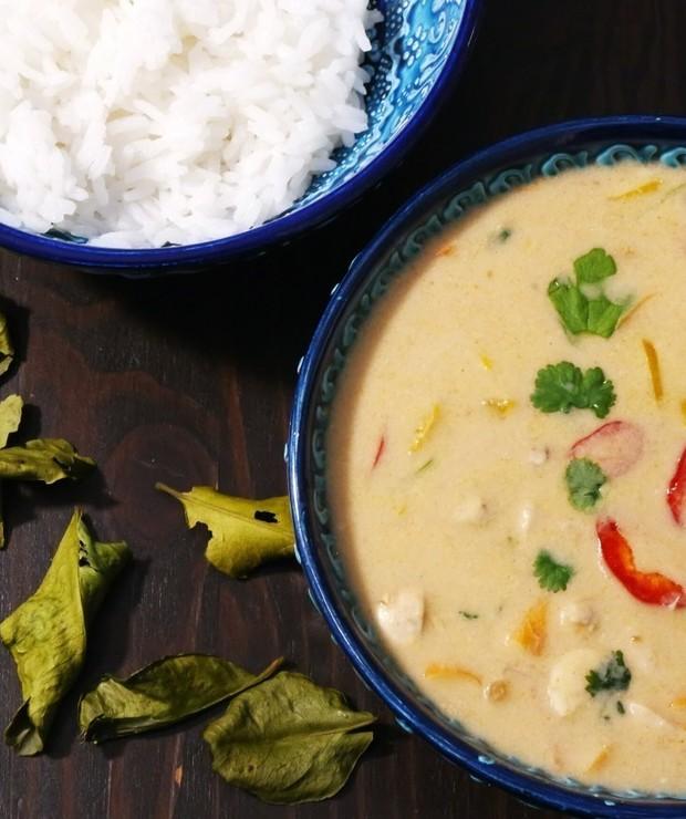 Zupa z kurczakiem i mleczkiem kokosowym - Z mięsem