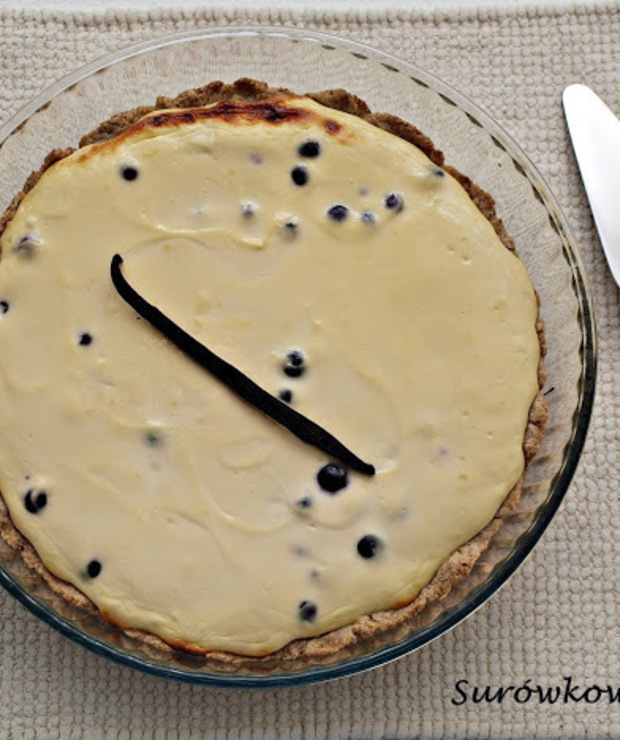 Tarta razowa z serem białym i owocami - Tarty