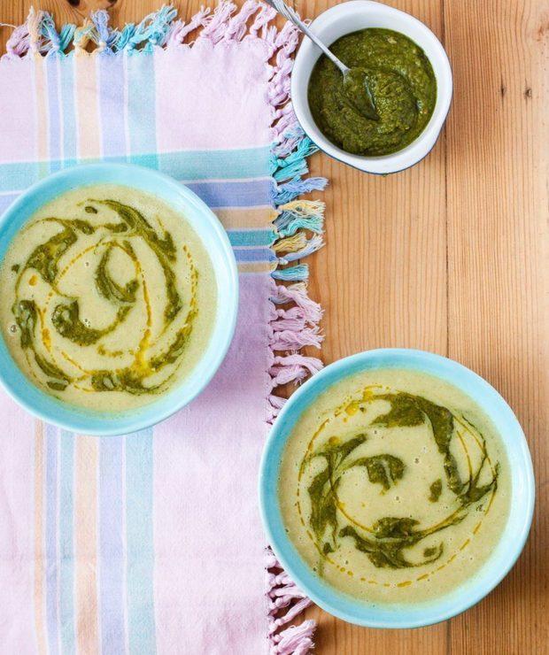 Zupa brokułowa z fasolą i pesto - Z warzywami