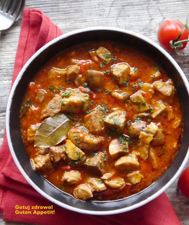 Pikantny gulasz pomidorowy z karczku - Wieprzowina