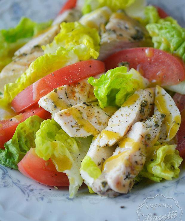 Sałatka z kurczakiem, pomidorami i mozzarellą - Mięsne