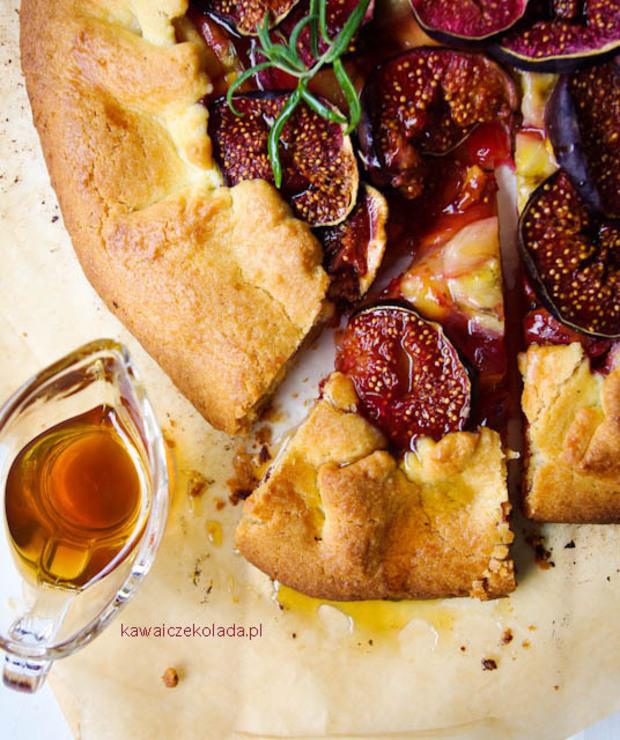 Rustykalna tarta z figami i rozmarynem - Ciastka