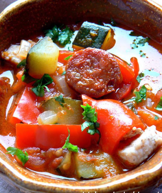 Leczo z cukinią, papryką, kiełbaską chorizo i piersią z kurczaka - Warzywa