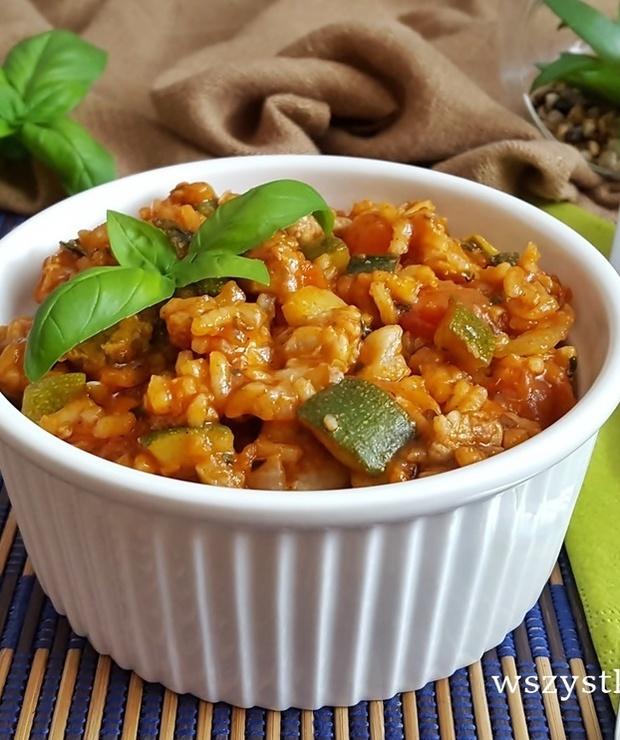 Risotto pomidorowe z wieprzowiną - Dania z ryżu i kaszy