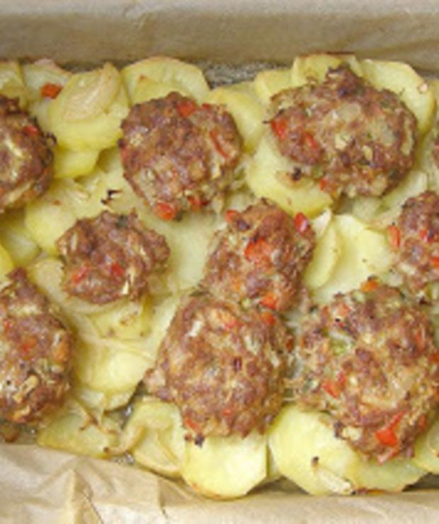 mielone z indyka na ziemniakach pieczone... - Warzywa