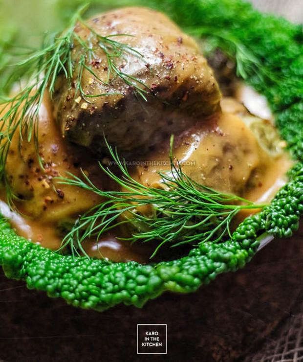Gołąbki z kapusty włoskiej z mięsem, kaszą gryczaną i sardynkami - Potrawy