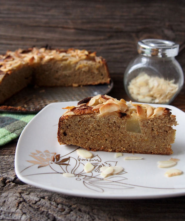 Bezglutenowe ciasto migdałowo gruszkowe - Desery i ciasta