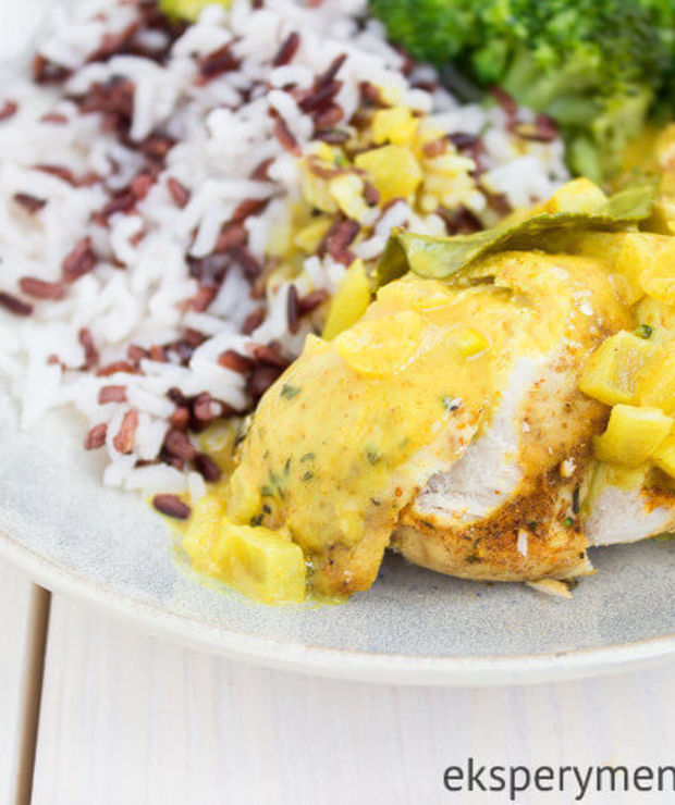 Kurczak w sosie curry z ryżem i warzywami - Drób