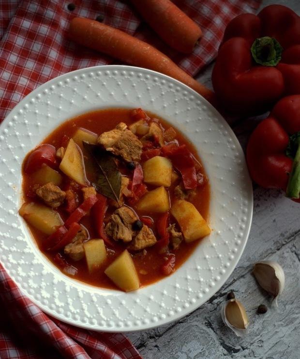 Zupa gulaszowa (węgierska) - Z mięsem