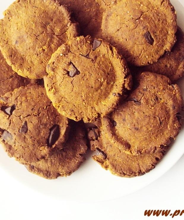 Kruche ciastka  z kawałkami czekolady i z melasą z morwy ( bez glutenu, jajek i masła ) - Bezglutenowe