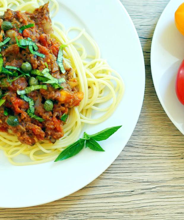 Spaghetti z soczewicą i kaparami - Dania z makaronu
