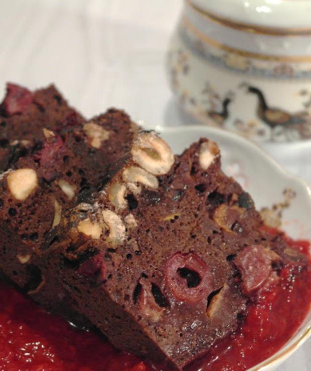 Wiśniowo-orzechowe ciasto gryczane z czerwonym sosem owocowym (ben glutenu, cukru, nabiału i jajek) - Inne