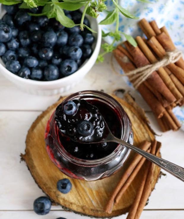 Szybki dżem jagodowy z cynamonem - Owocowe