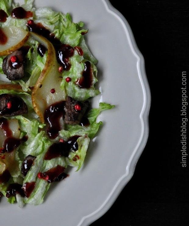 Sałata z wątróbką i dressingiem balsamiczno-żurawinowym - Mięsne
