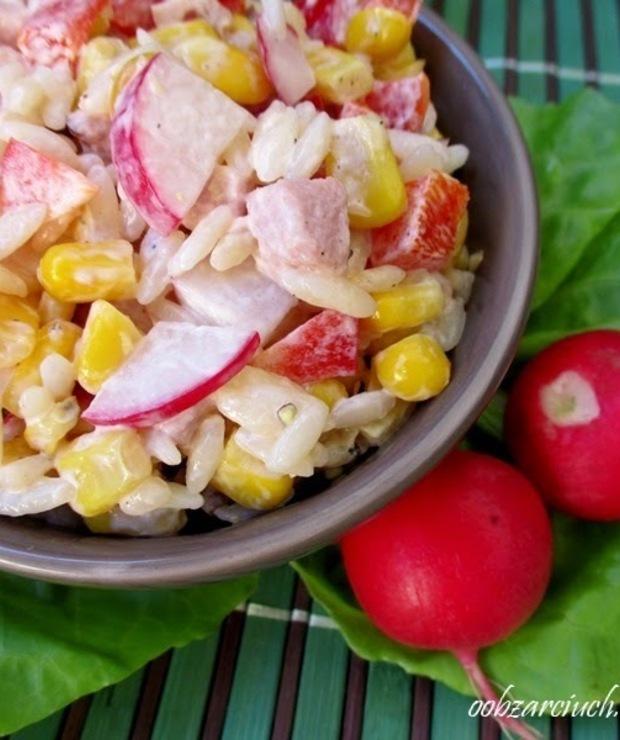 Sałatka z makaronem i szynką - Jarskie