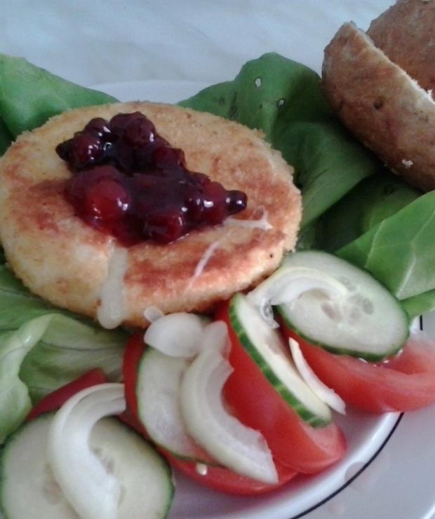 Camembert smażony z żurawiną - Na gorąco